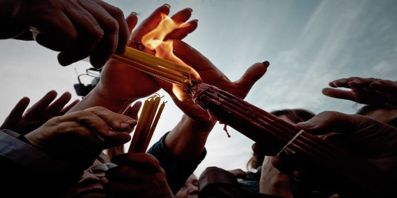 Πασχαλινή Λαμπάδα και ο συμβολισμός της