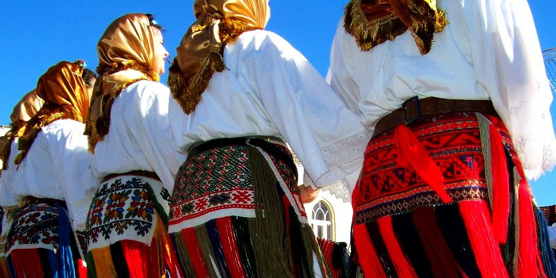 Ο Παραδοσιακός Χορός είναι ένα μέσο Κοινωνικοποίησης